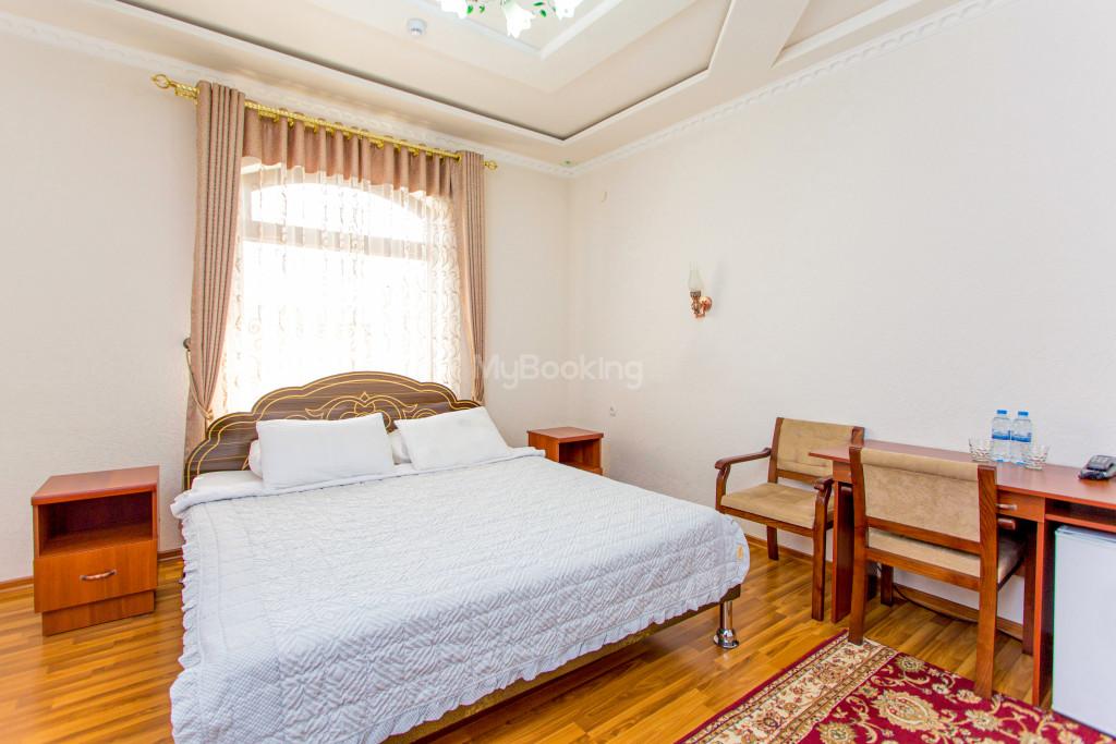Room 304 image 26617