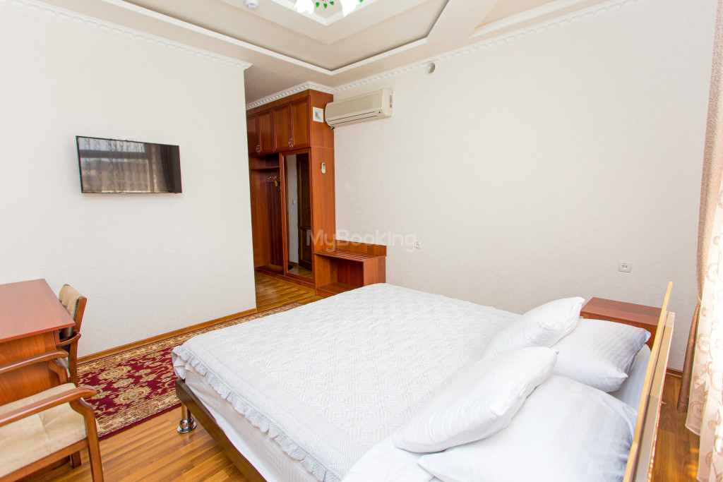 Room 304 image 26625