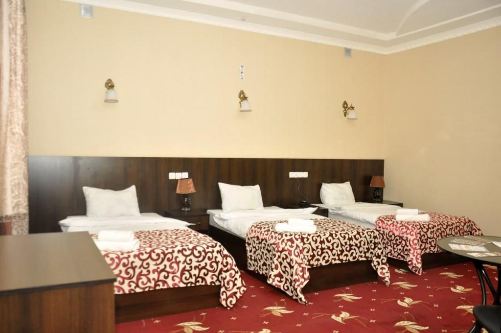 Room 325 image 42649