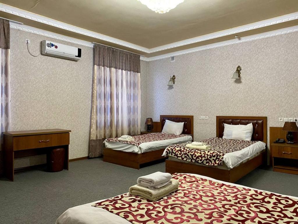 Room 325 image 42678