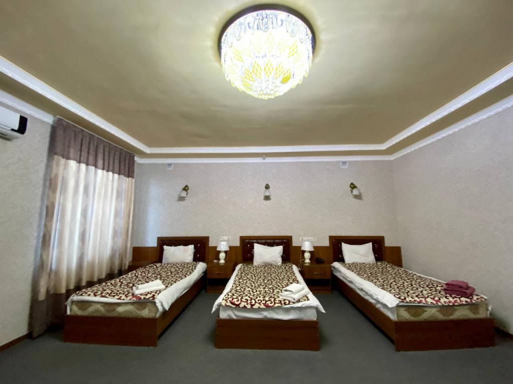 Room 325 image 42680