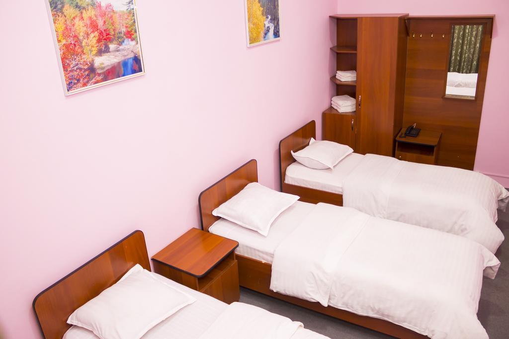 Room 330 image 26145