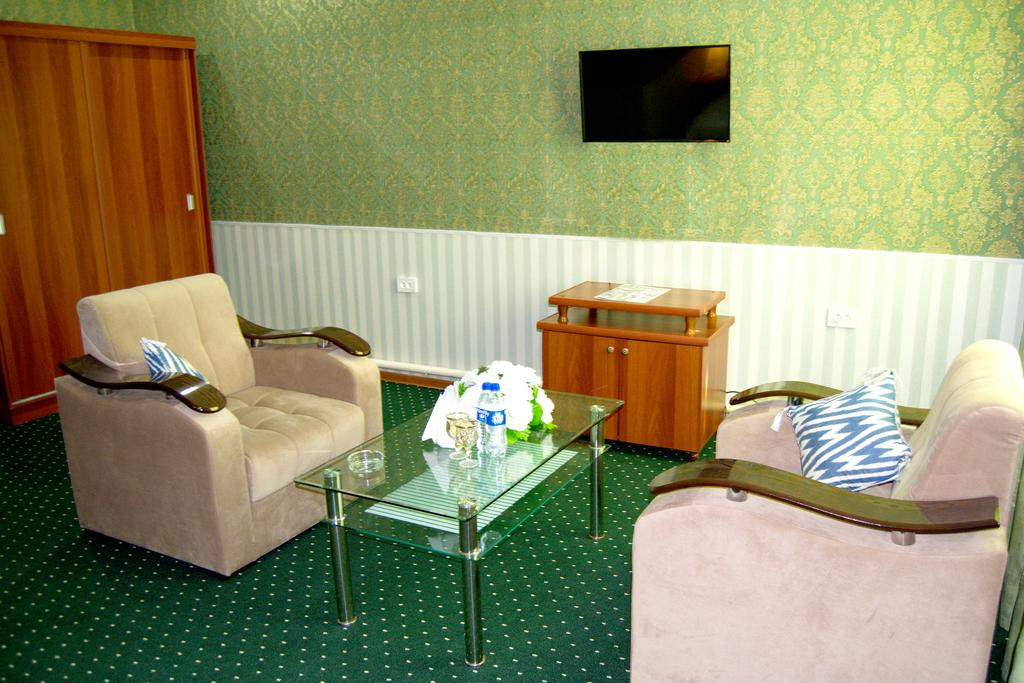 Room 329 image 26147