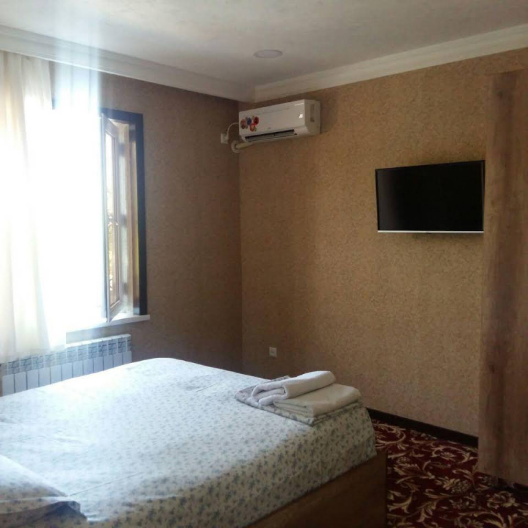 Room 393 image 31137