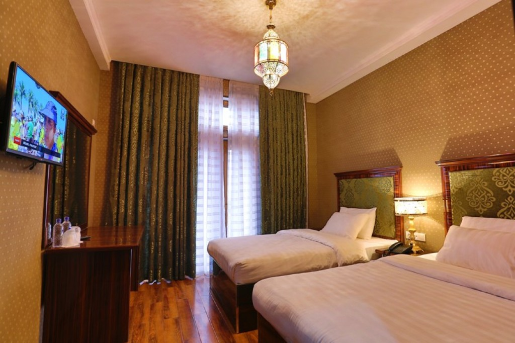 Room 447 image 12318