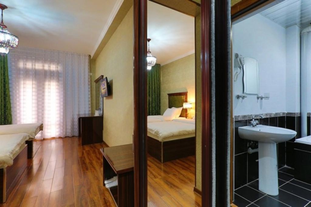 Room 694 image 30616