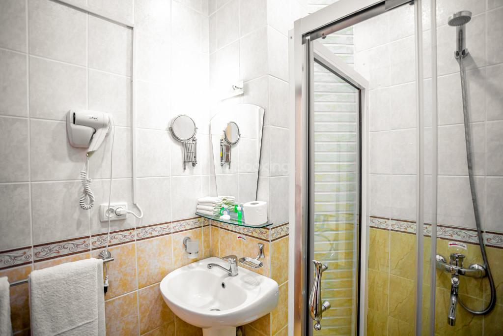 Room 671 image 26840
