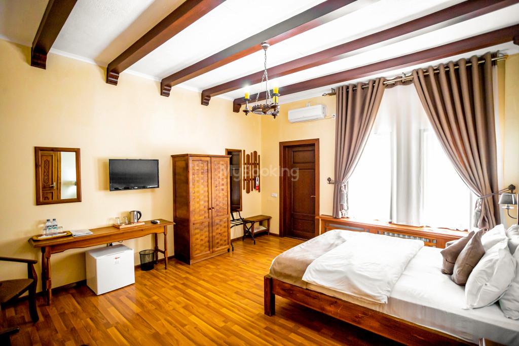 Room 671 image 26843