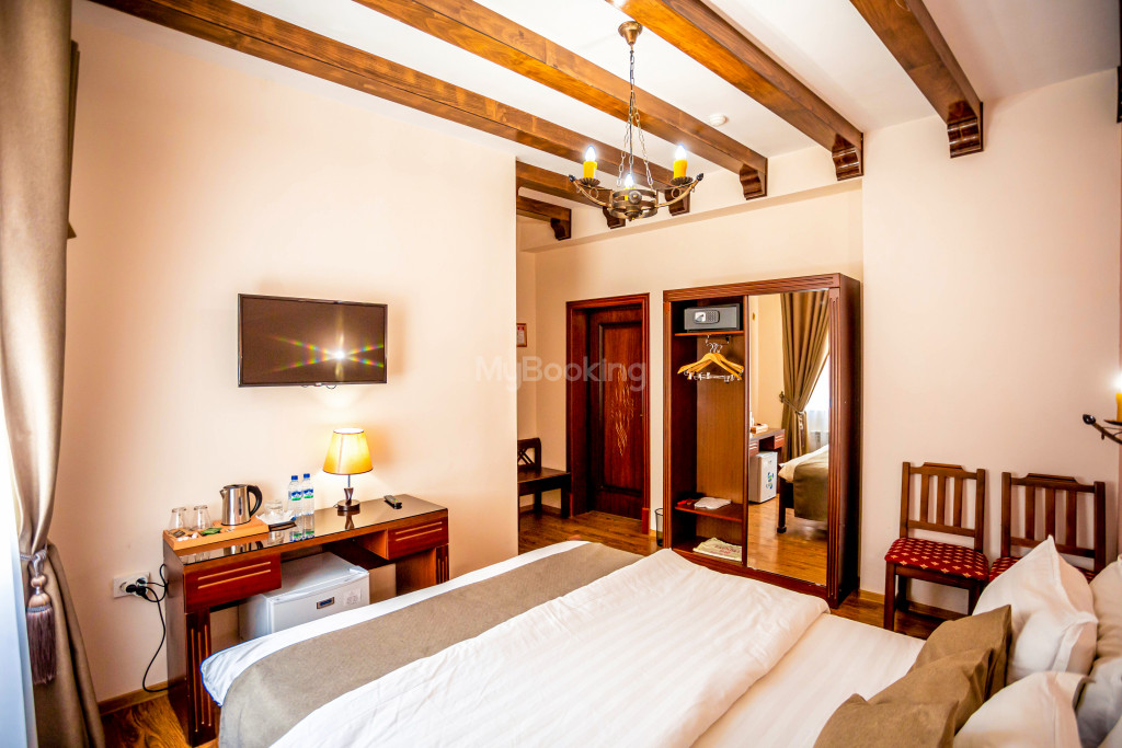 Room 671 image 26857