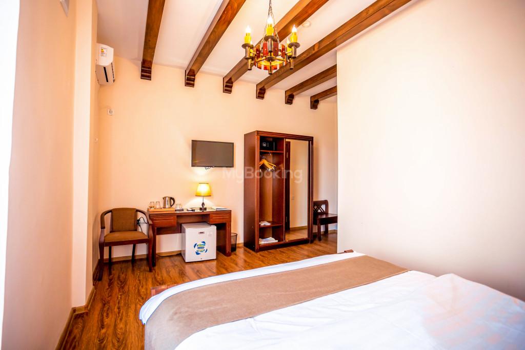 Room 671 image 26863
