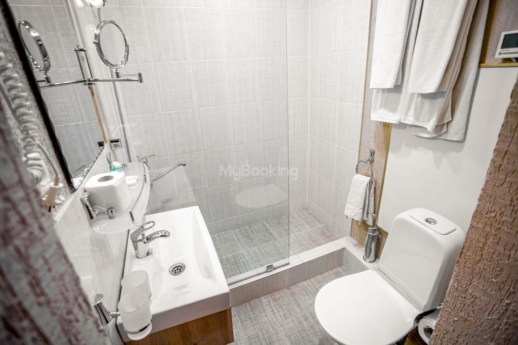 Room 671 image 26878