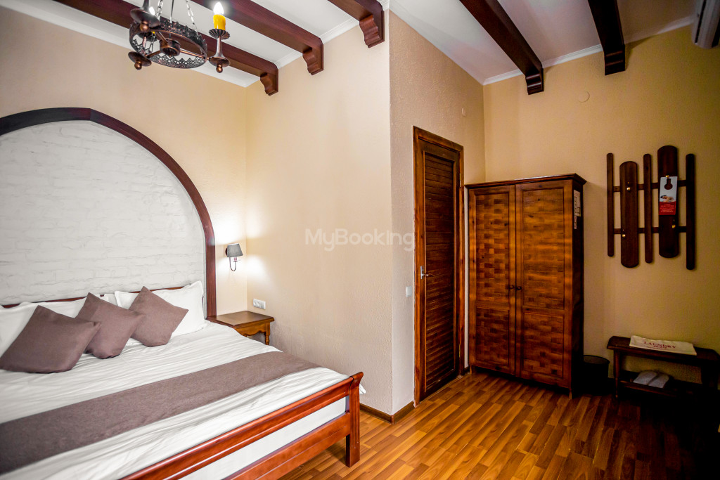 Room 671 image 26879