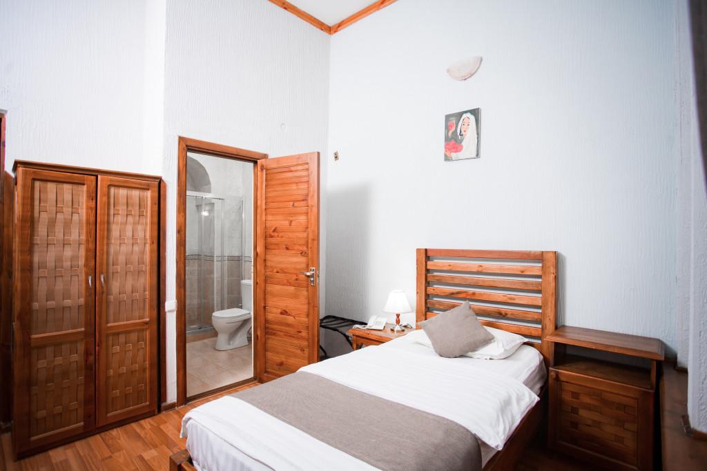 Room 670 image 27393