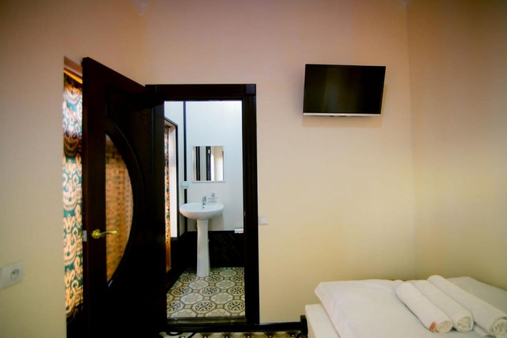 Room 697 image 37613