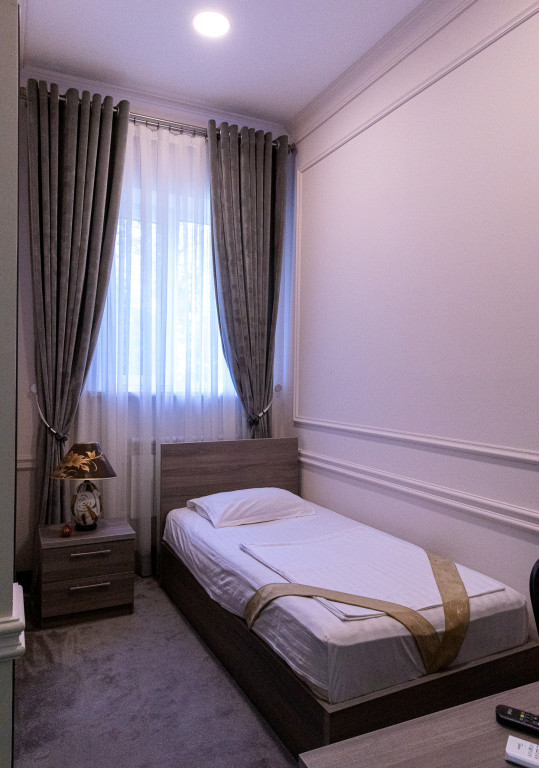Room 841 image 38171