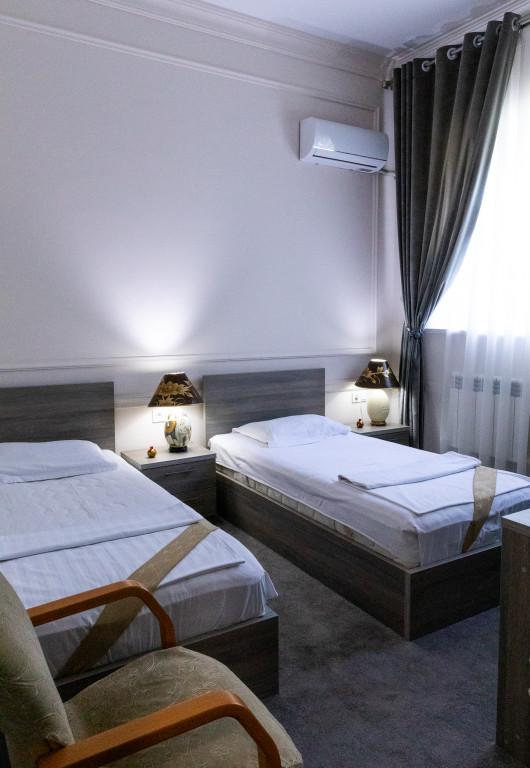 Room 842 image 38173