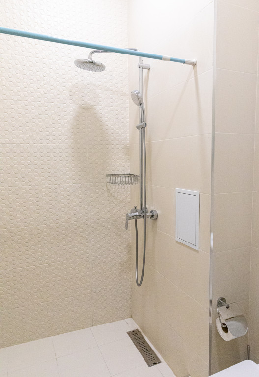 Room 842 image 38178