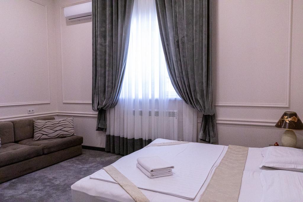 Room 854 image 38180
