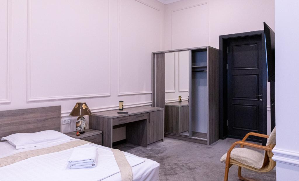 Room 854 image 38182