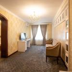 Room 805 image 18368 thumb
