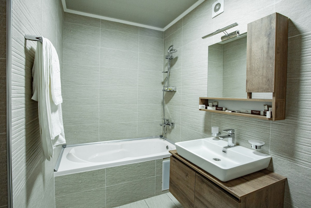 Room 805 image 18369