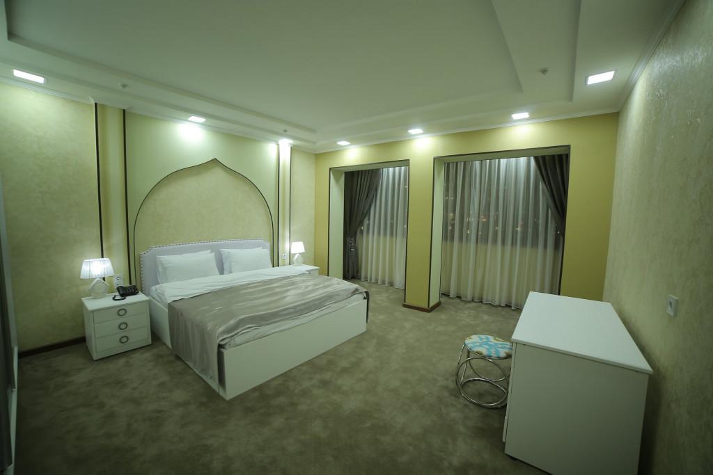 Room 4242 image 40921