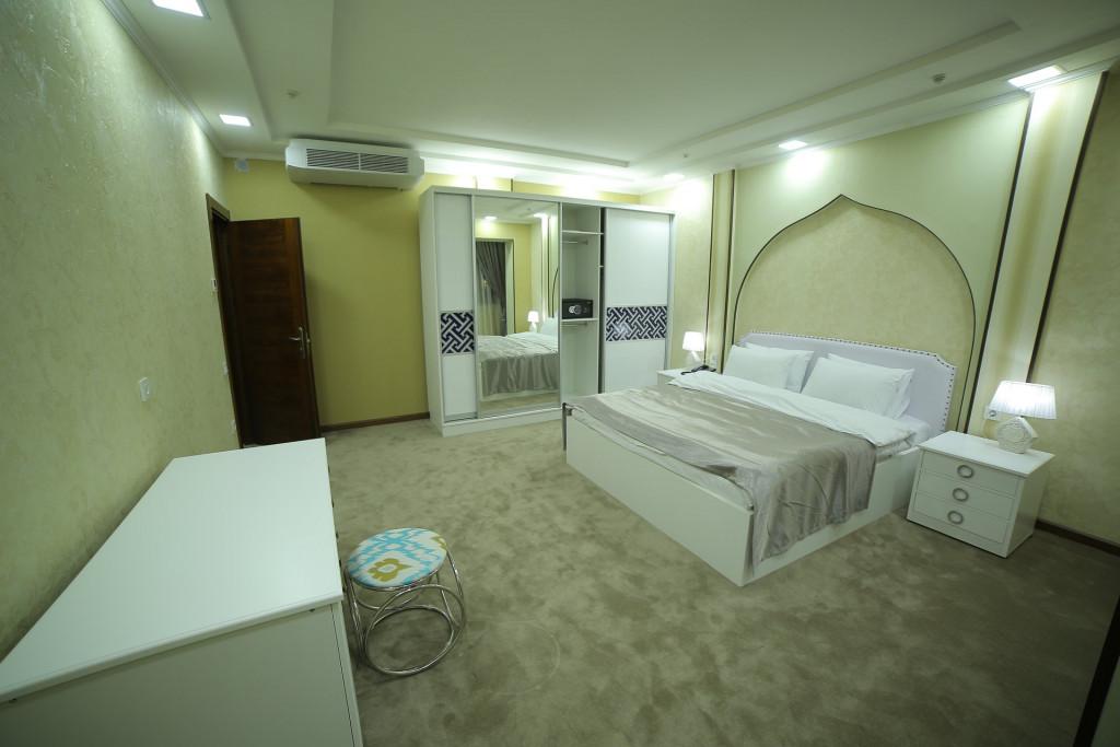 Room 4242 image 40922