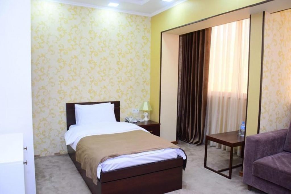 Room 4240 image 41016