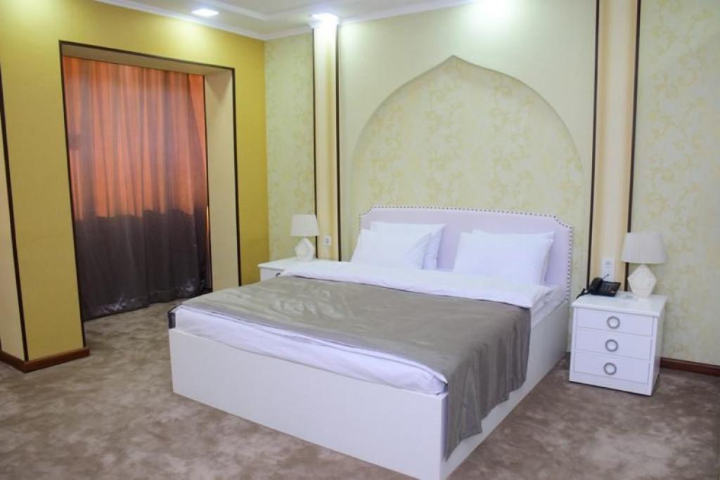 Room 4242 image 41017