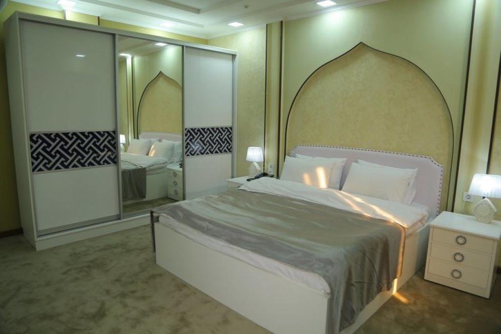 Room 4242 image 41027