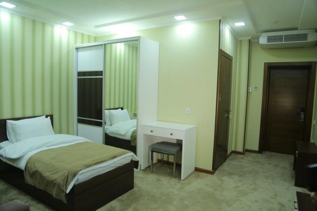 Room 4240 image 41029