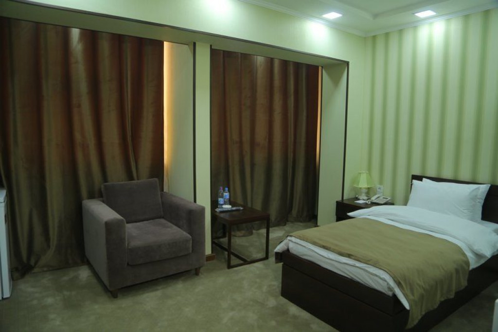 Room 4240 image 41030