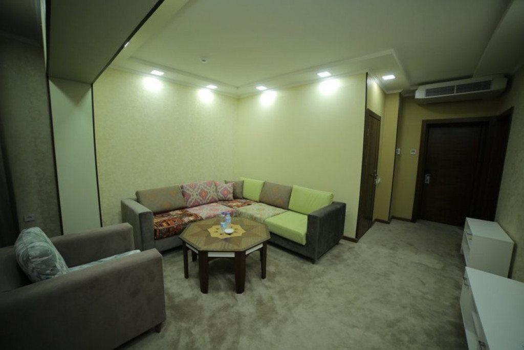 Room 4242 image 41032
