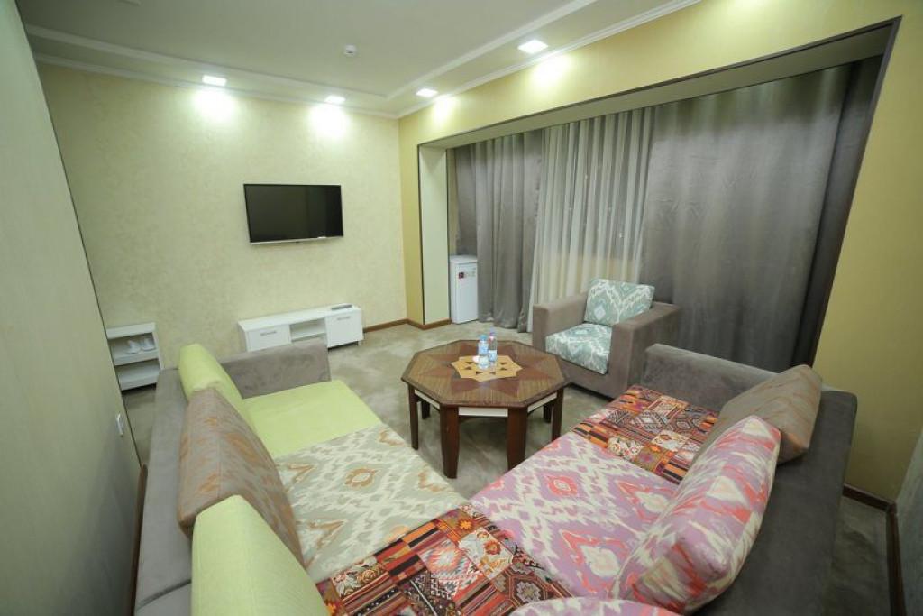 Room 4242 image 41031