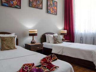 Jipek Joli Hotel - Image