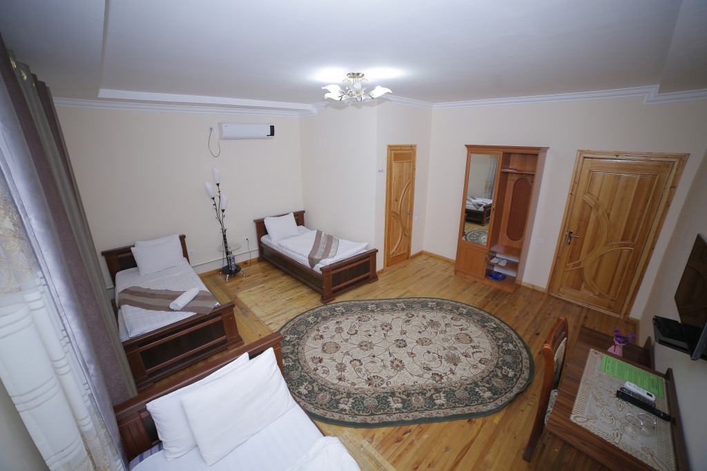 Room 996 image 33527