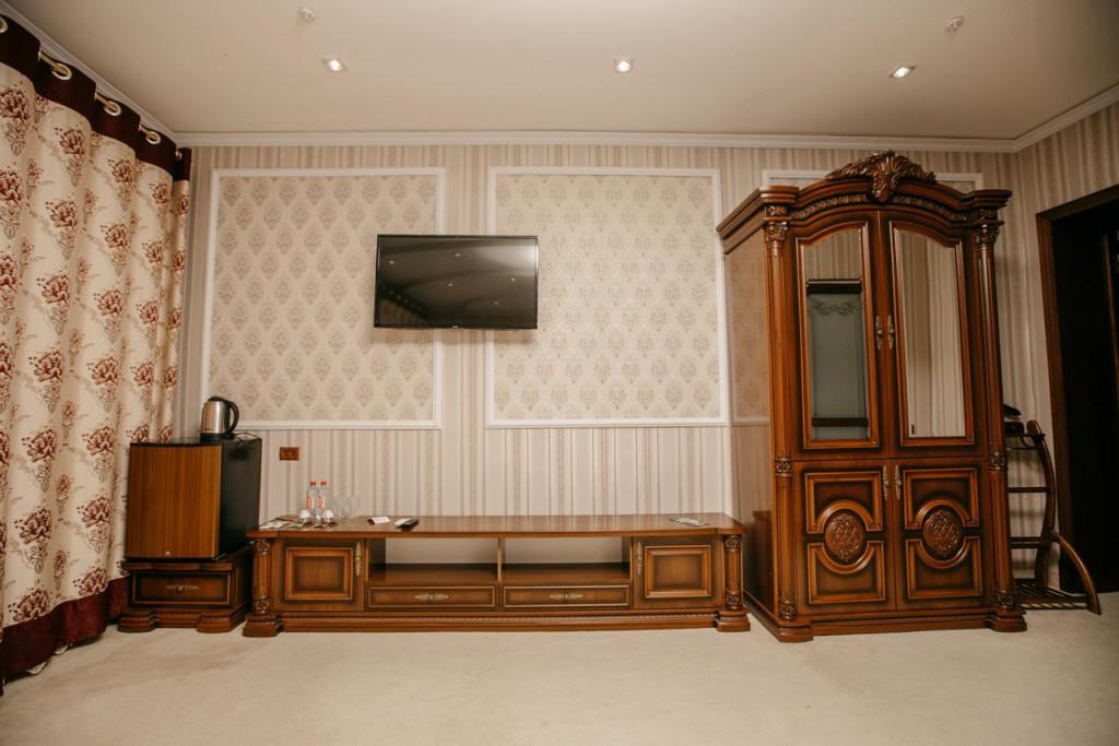 Room 1750 image 21714