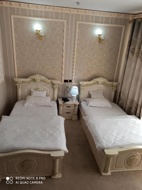Room 1017 image 33461