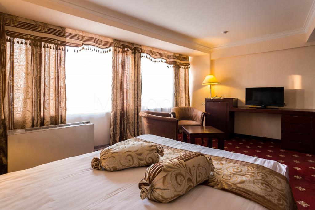 Room 1826 image 33642