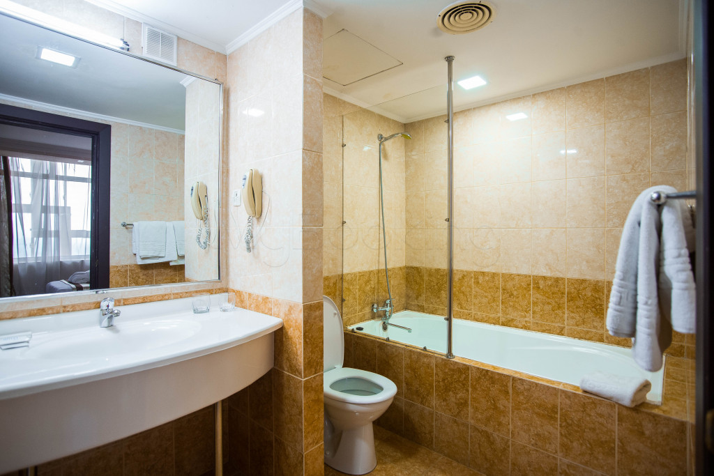 Room 1828 image 33652