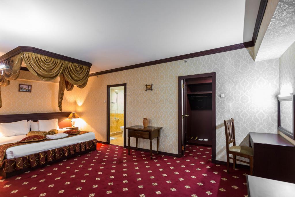 Room 1829 image 33658