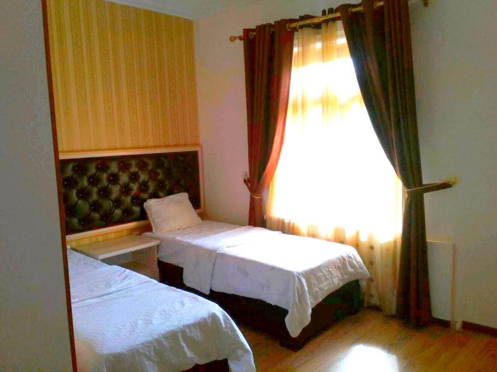 Room 1117 image 16376
