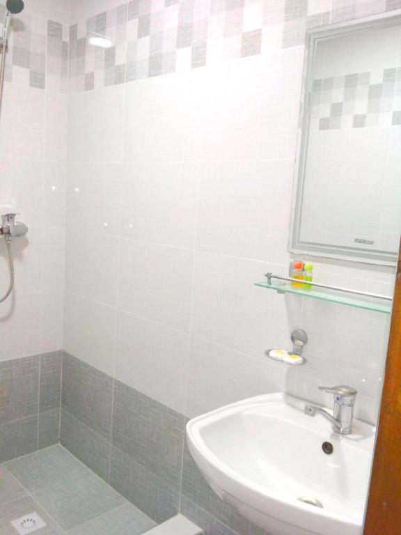 Room 1117 image 16377
