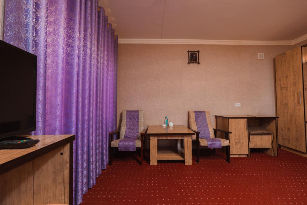 Room 1153 image 35500