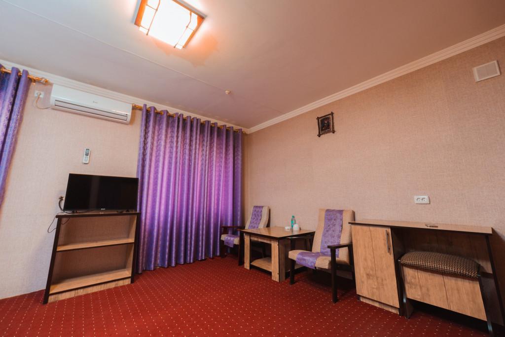 Room 1153 image 35501