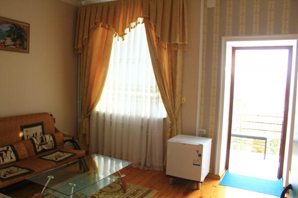 Room 1209 image 35077
