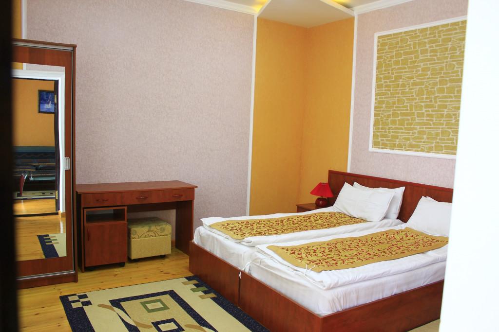 Room 1209 image 35085
