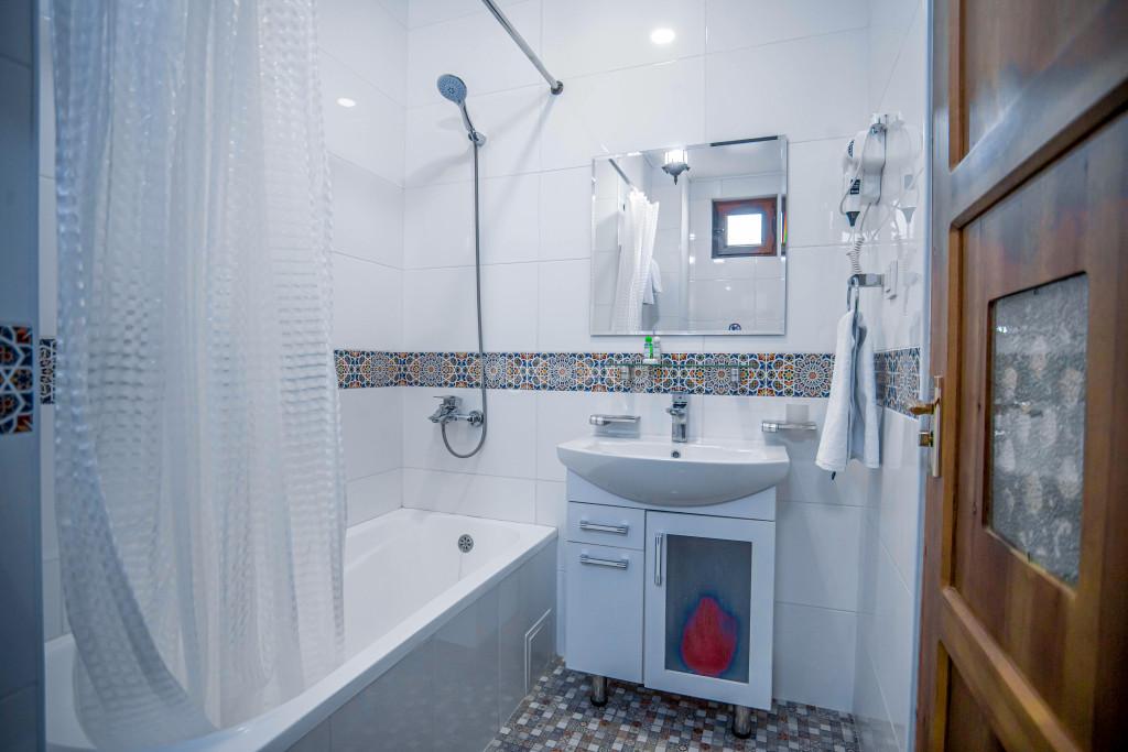 Room 1267 image 28172