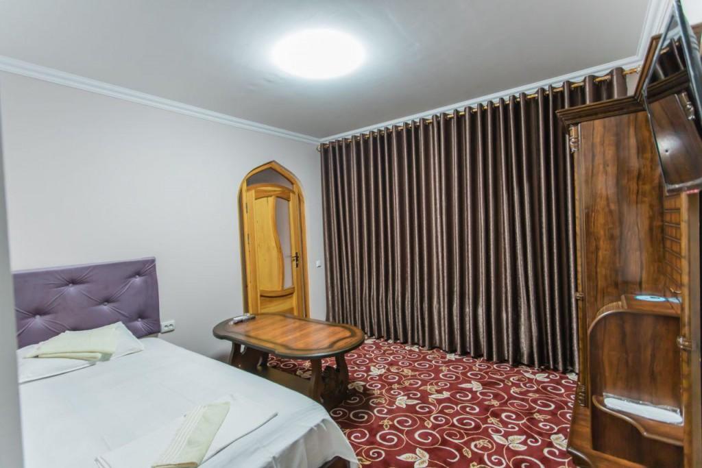 Room 1295 image 15153