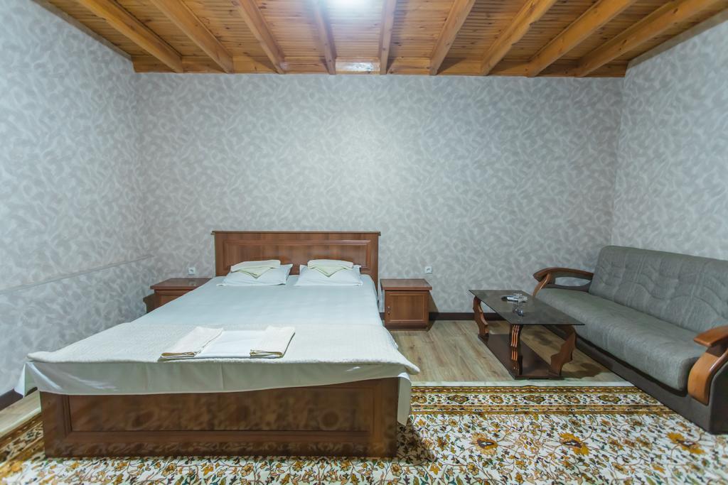 Room 1297 image 31105